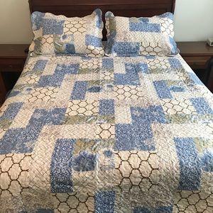 Beautiful 2 sided Bedspread